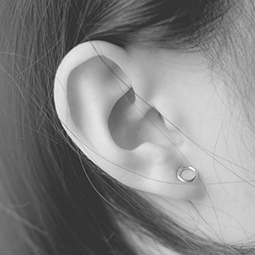 Femme : refaire ses oreilles