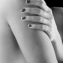 Femme : les bras