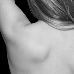 Femme : le dos